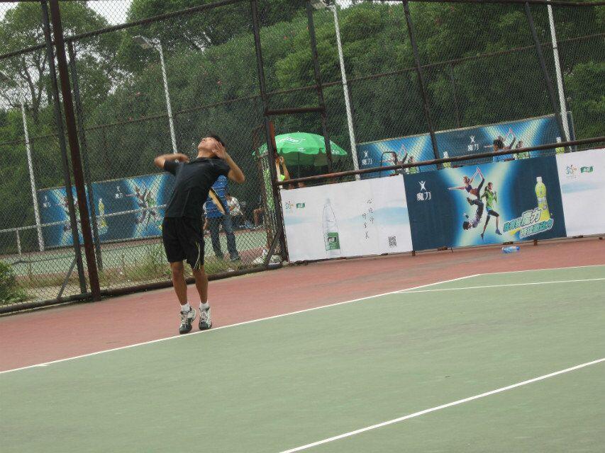 我校学生参加中国网球级别联赛